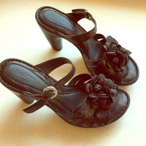 Born Cornflower Leather Shoes 6 Black heels slipon